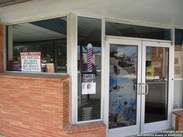 123 N Main St, Pleasanton, TX 78064 (MLS #1298088) :: Ultimate Real Estate Services