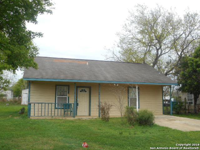 1207 Willow St, Jourdanton, TX 78026 (MLS #1298236) :: Magnolia Realty