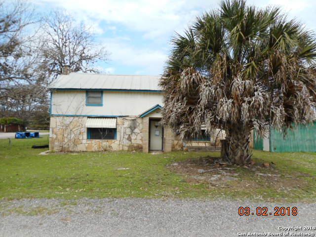 803 Pecan St, Bandera, TX 78003 (MLS #1298711) :: Exquisite Properties, LLC