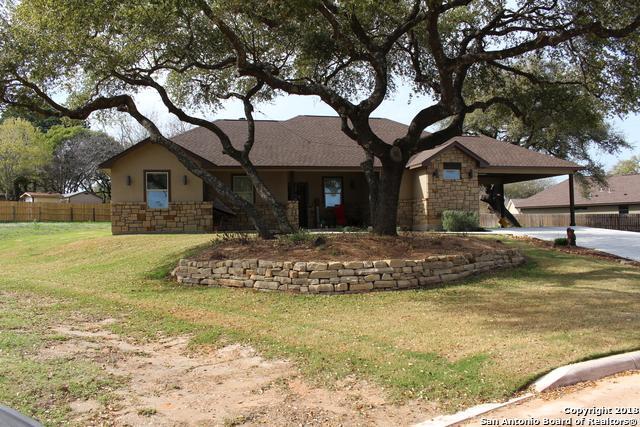 318 Howard Dr, Devine, TX 78016 (MLS #1298971) :: The Castillo Group