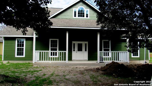 713 Vienna, Castroville, TX 78009 (MLS #1299040) :: NewHomePrograms.com LLC