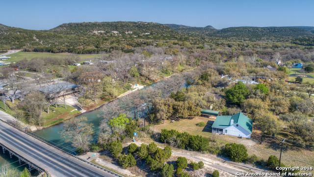 974 River Cliff Dr, Canyon Lake, TX 78133 (MLS #1299867) :: Erin Caraway Group