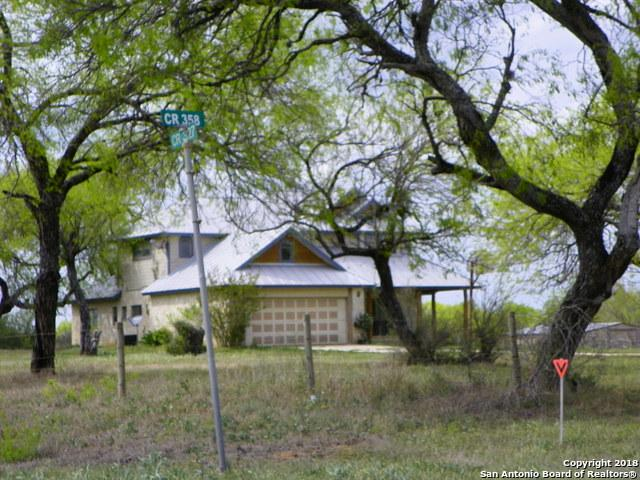 103 Oak Park Rd, Adkins, TX 78101 (MLS #1300496) :: Exquisite Properties, LLC