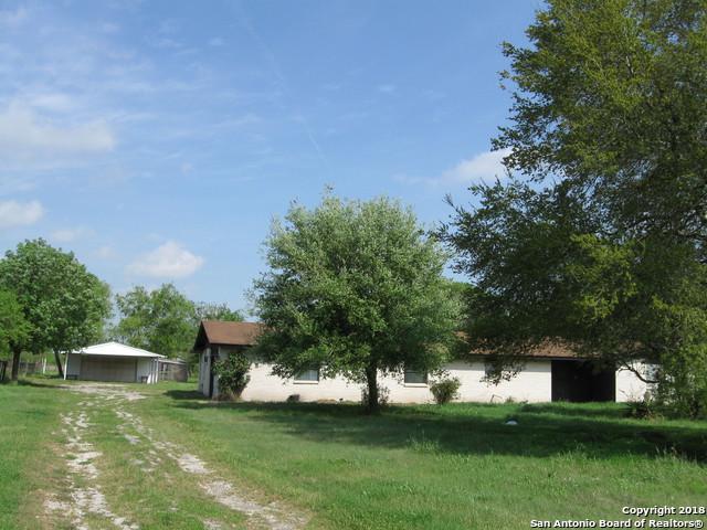 2072 Lower Seguin Rd, Marion, TX 78124 (MLS #1300855) :: Erin Caraway Group