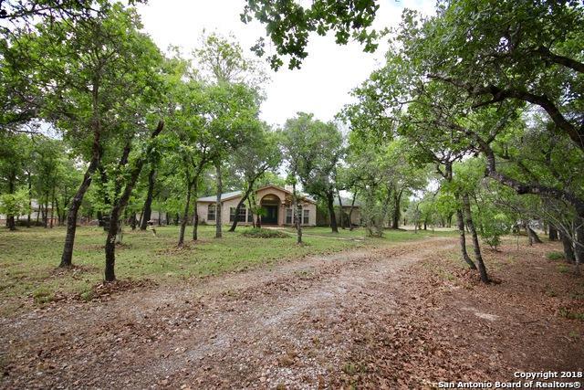 102 Sky Hawk Ln, Floresville, TX 78114 (MLS #1302505) :: Exquisite Properties, LLC