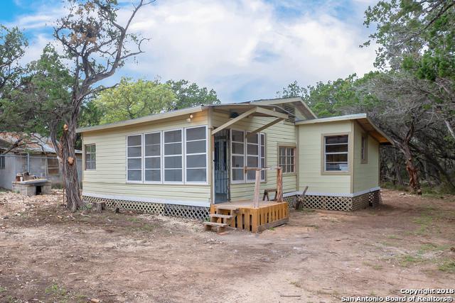123 New York Ave, Lakehills, TX 78063 (MLS #1302709) :: Magnolia Realty