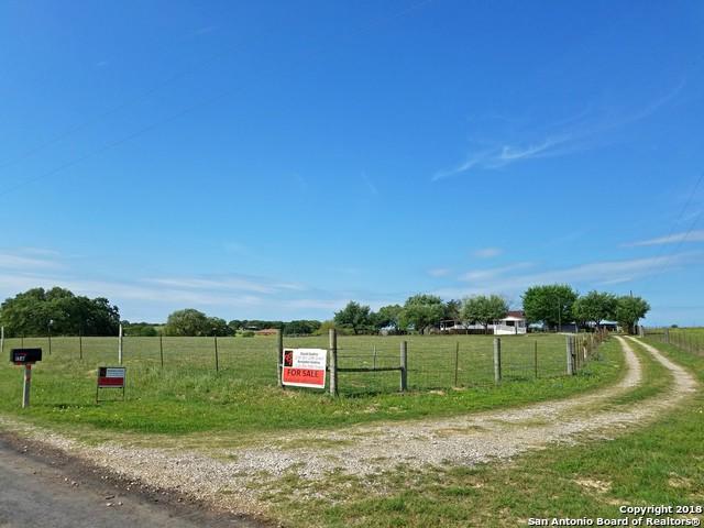 156 Santa Gertrudis Dr, Sutherland Springs, TX 78161 (MLS #1302748) :: Magnolia Realty