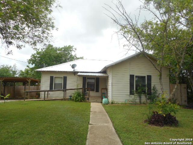 235 S Yule Ave, Charlotte, TX 78011 (MLS #1303326) :: Ultimate Real Estate Services