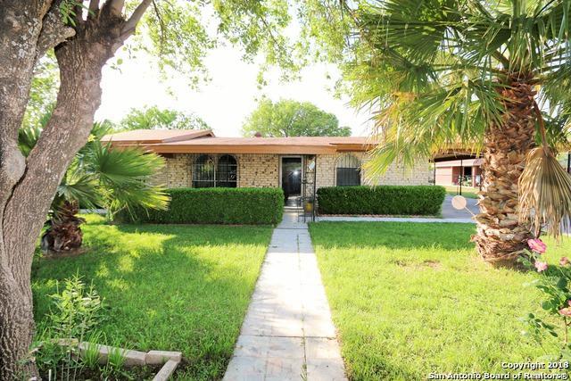 693 Las Brisas Dr, Eagle Pass, TX 78852 (MLS #1303496) :: Magnolia Realty