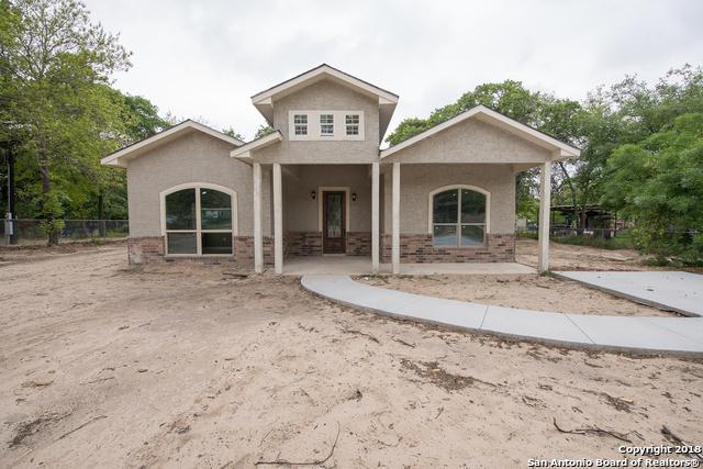3907 Waterwood Pass Dr, Elmendorf, TX 78112 (MLS #1304211) :: Ultimate Real Estate Services