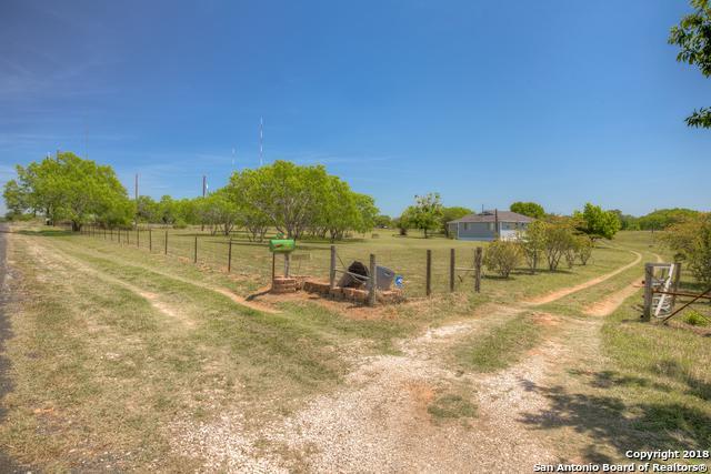 10450 Elmendorf-Lavernia Rd, San Antonio, TX 78223 (MLS #1304812) :: ForSaleSanAntonioHomes.com