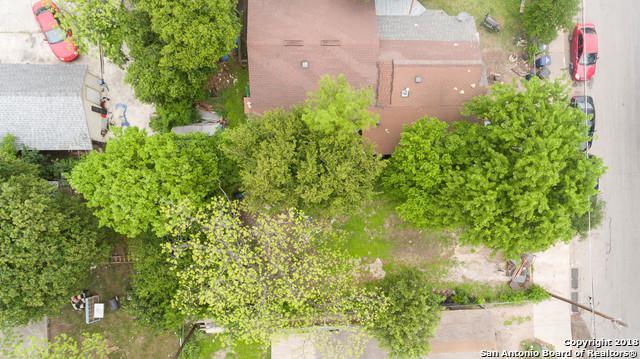 905 S San Eduardo Ave, San Antonio, TX 78237 (MLS #1304948) :: Magnolia Realty