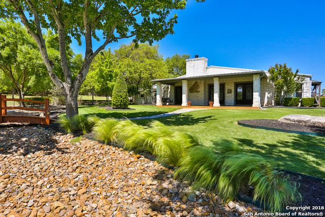 128 Spring Hill Dr, Boerne, TX 78006 (MLS #1304978) :: The Suzanne Kuntz Real Estate Team