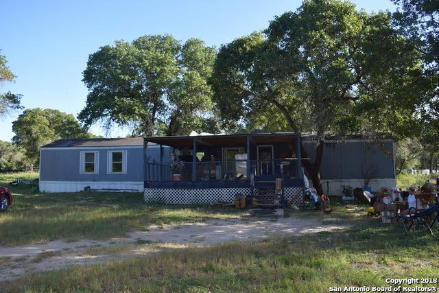 4602 Lee Way, Elmendorf, TX 78112 (MLS #1305032) :: Magnolia Realty