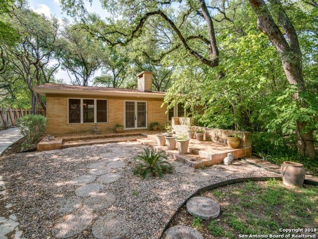 215 Carolwood Dr, Castle Hills, TX 78213 (MLS #1305262) :: Tami Price Properties Group