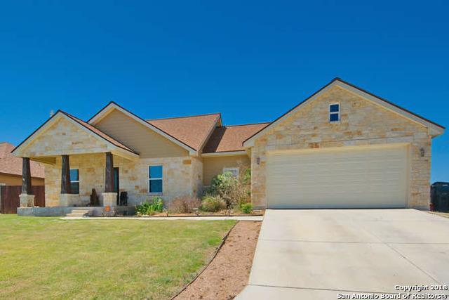 105 Park Heights, Poth, TX 78147 (MLS #1305463) :: Erin Caraway Group