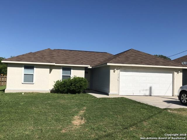 519 N Upson Dr, Devine, TX 78016 (MLS #1305496) :: The Castillo Group