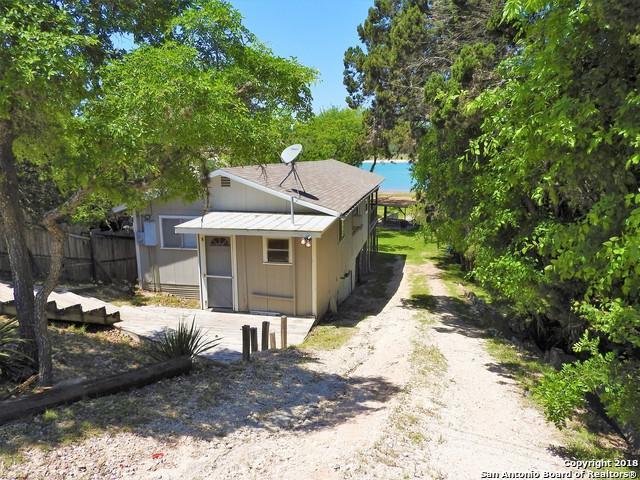 892 NW Pebble Beach Dr, Lakehills, TX 78063 (MLS #1305565) :: Magnolia Realty