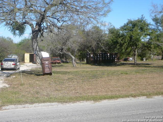 123 CR 5720 Cr 5720, Castroville, TX 78009 (MLS #1305661) :: Neal & Neal Team