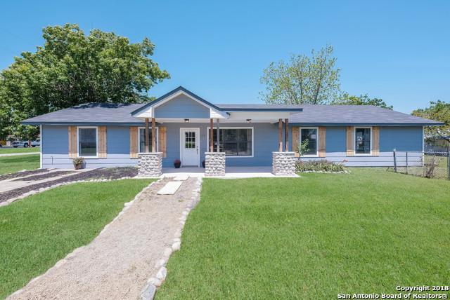110 E Huebinger St, Marion, TX 78124 (MLS #1305958) :: The Castillo Group