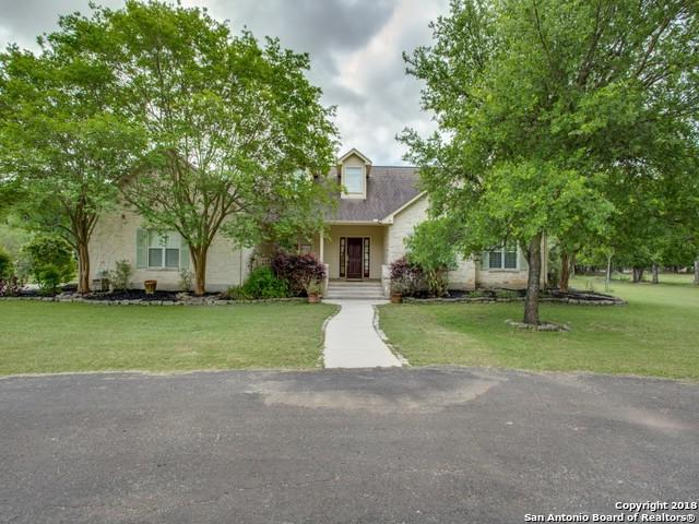 689 Rosewood Ave, Boerne, TX 78006 (MLS #1306050) :: Alexis Weigand Real Estate Group