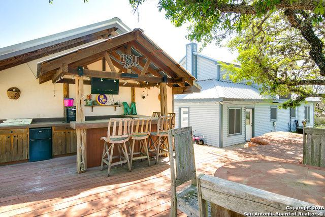 128 Hobson Ln, Center Point, TX 78010 (MLS #1306090) :: Erin Caraway Group