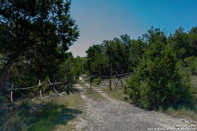 4 Connally Way, Boerne, TX 78006 (MLS #1306506) :: Carolina Garcia Real Estate Group