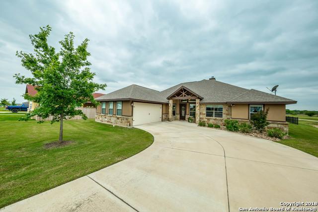 137 Fairway Dr, Floresville, TX 78114 (MLS #1306750) :: Exquisite Properties, LLC
