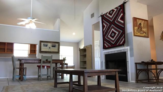 509 Oak Hills Dr, Bandera, TX 78003 (MLS #1306769) :: Alexis Weigand Real Estate Group