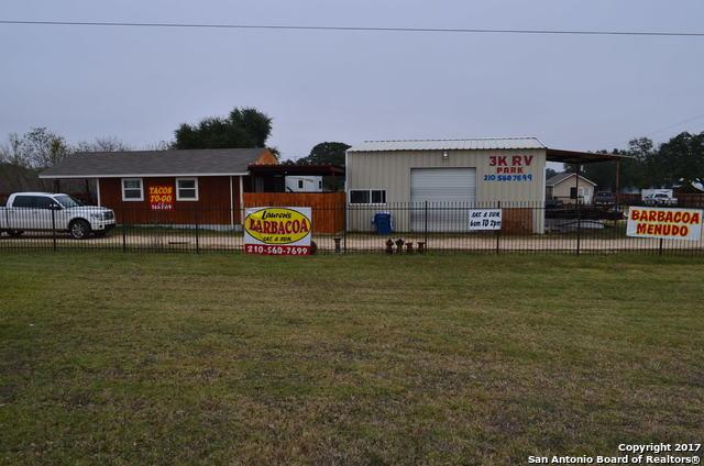 4858 Us Highway 181, Floresville, TX 78114 (MLS #1307858) :: Magnolia Realty