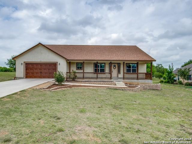 312 Edgehill, Pleasanton, TX 78064 (MLS #1308828) :: Erin Caraway Group