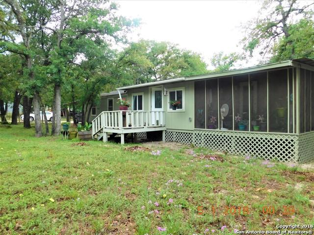 260 Oak View Dr, La Vernia, TX 78121 (MLS #1309043) :: Vivid Realty