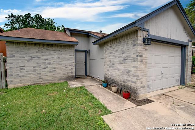 2710 Mud Lake Dr, San Antonio, TX 78245 (MLS #1309127) :: Erin Caraway Group