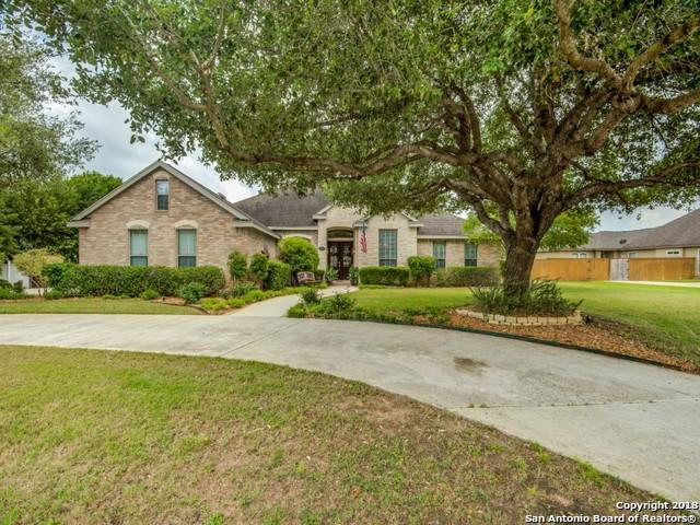 1713 Parkview, Pleasanton, TX 78064 (MLS #1309452) :: Alexis Weigand Real Estate Group