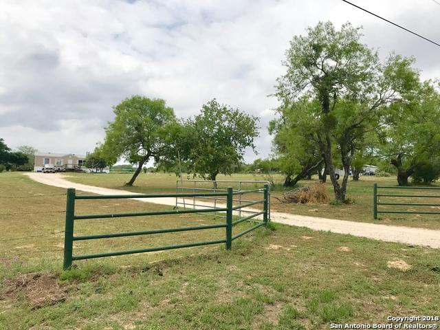 320 Fay Dr, Lytle, TX 78052 (MLS #1310039) :: Alexis Weigand Real Estate Group