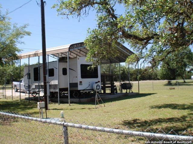 527 Private Road 1514, Bandera, TX 78003 (MLS #1310053) :: Neal & Neal Team