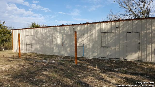 202 Newton, Luling, TX 78648 (MLS #1310282) :: Erin Caraway Group