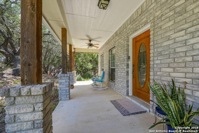 125 Lake View Dr, Boerne, TX 78006 (MLS #1310713) :: Tom White Group