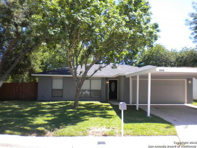 5050 Gordon Cooper Dr, Kirby, TX 78219 (MLS #1310800) :: Magnolia Realty