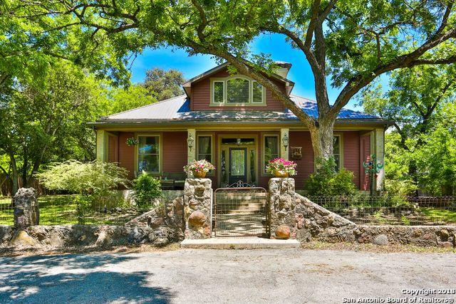 4 Hillview Ln, Boerne, TX 78006 (MLS #1310846) :: Tami Price Properties Group
