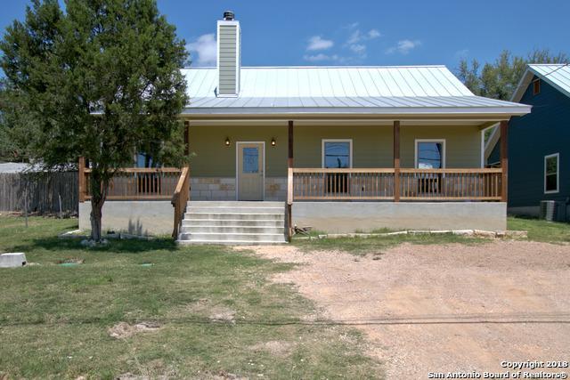 1258 Lakeview Dr, Canyon Lake, TX 78133 (MLS #1311061) :: Magnolia Realty