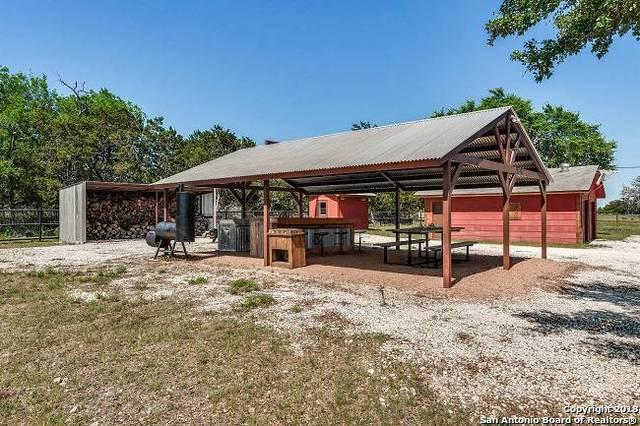 8 Flat Rock Creek Rd, Comfort, TX 78013 (MLS #1311108) :: Tami Price Properties Group