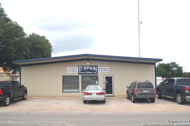 806 11TH ST, Bandera, TX 78003 (MLS #1311353) :: Magnolia Realty
