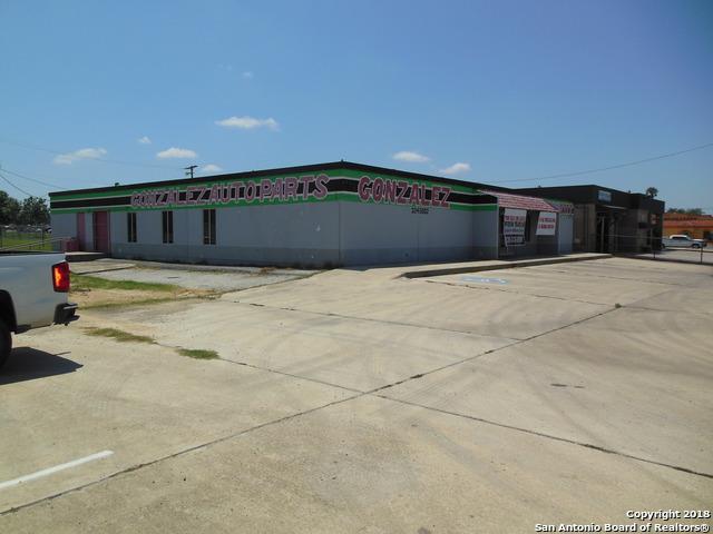 804 N Oak St, Pearsall, TX 78061 (MLS #1311957) :: Tami Price Properties Group