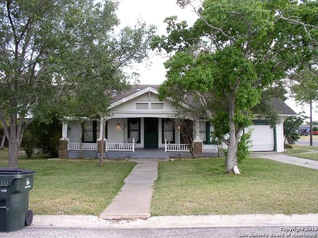 302 E Main Ave, Karnes City, TX 78118 (MLS #1311960) :: Exquisite Properties, LLC