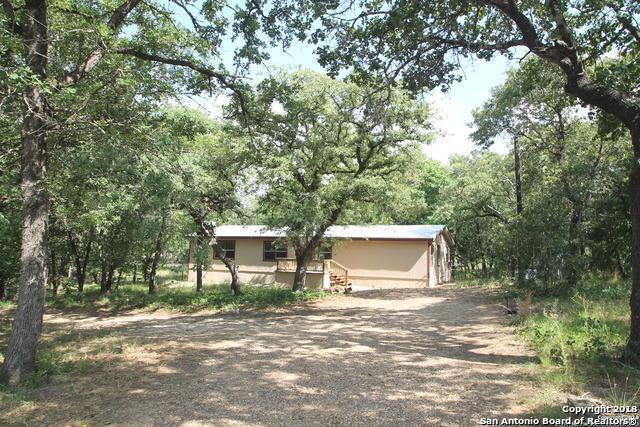 76 Post Oak Rd, La Vernia, TX 78121 (MLS #1312008) :: Neal & Neal Team