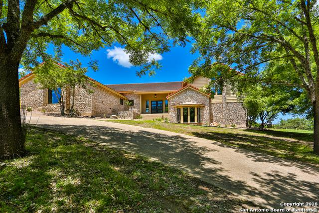 402 Tapatio Dr W, Boerne, TX 78006 (MLS #1313078) :: Neal & Neal Team