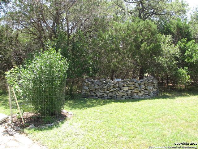 2252 Rohrbuch Rd, Pipe Creek, TX 78063 (MLS #1313094) :: Neal & Neal Team