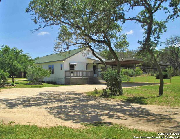 272 Oak Trail Dr, Pipe Creek, TX 78063 (MLS #1313119) :: Neal & Neal Team