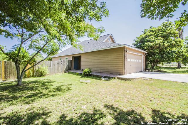 106 Briarwood Ct, Kyle, TX 78640 (MLS #1313331) :: Magnolia Realty